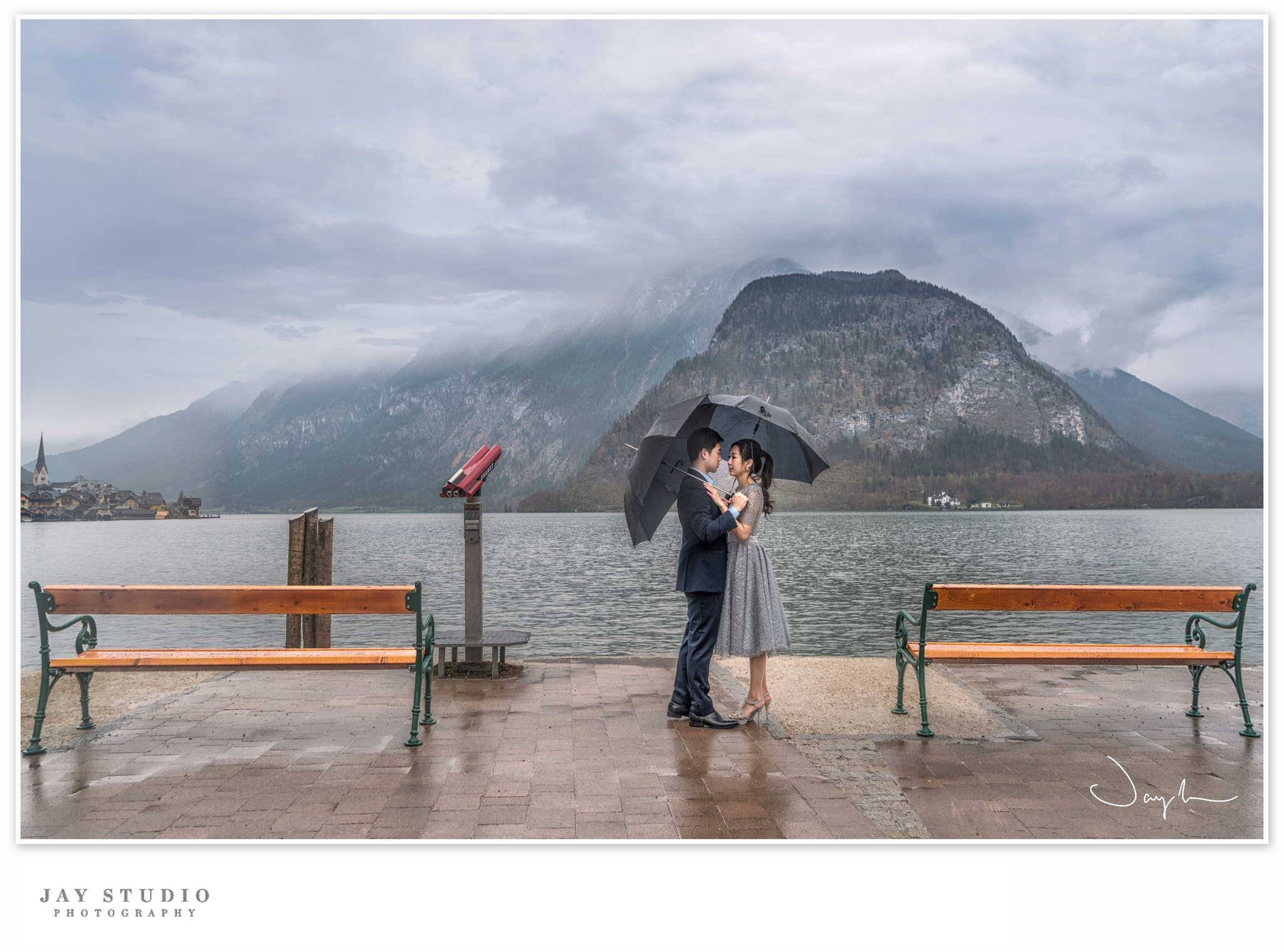 hallstatt engagement photo